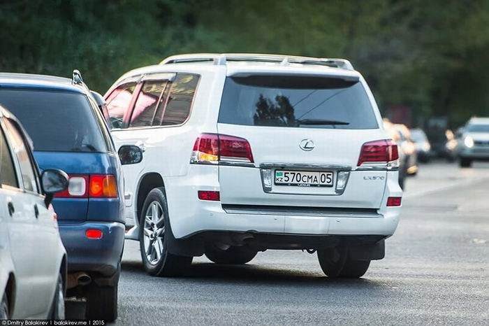 Автомобили в Казахстане